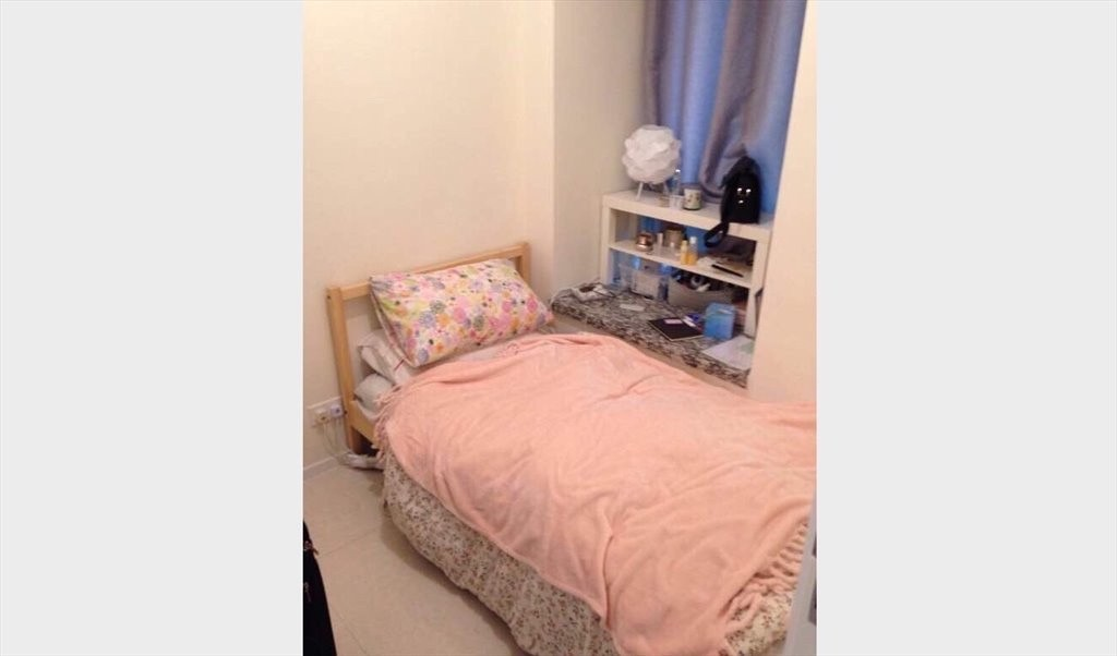 Share flat room available in a flat with a penhouse - 荃湾 - 分租房间 - Homates 香港